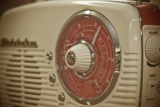 La radio (Sociedad del Desfase)